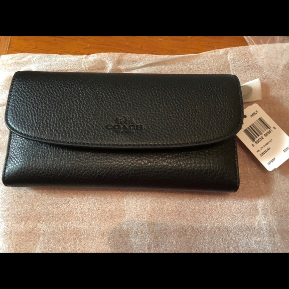 Coach Handbags - Coach brand new wallet/check book